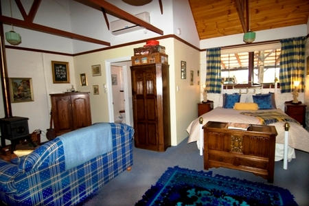 Hillside Country Retreat  - Bundaberg Accommodation