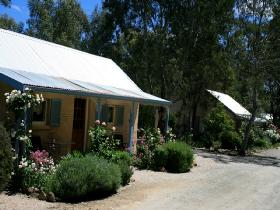 Riesling Trail Cottages - Bundaberg Accommodation