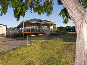 Serenity Holiday House - Bundaberg Accommodation