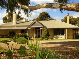 Whistler Farm - Bundaberg Accommodation