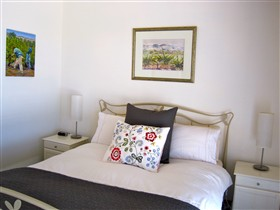 ArtWine Cottages - Bundaberg Accommodation