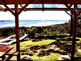 Island View Spa Cottage - Bundaberg Accommodation