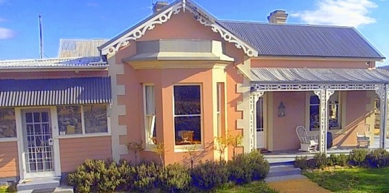 Cromwell House - Bundaberg Accommodation