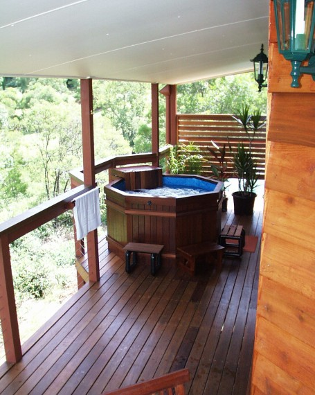 Ravensbourne Escape Holiday Cottages - Bundaberg Accommodation
