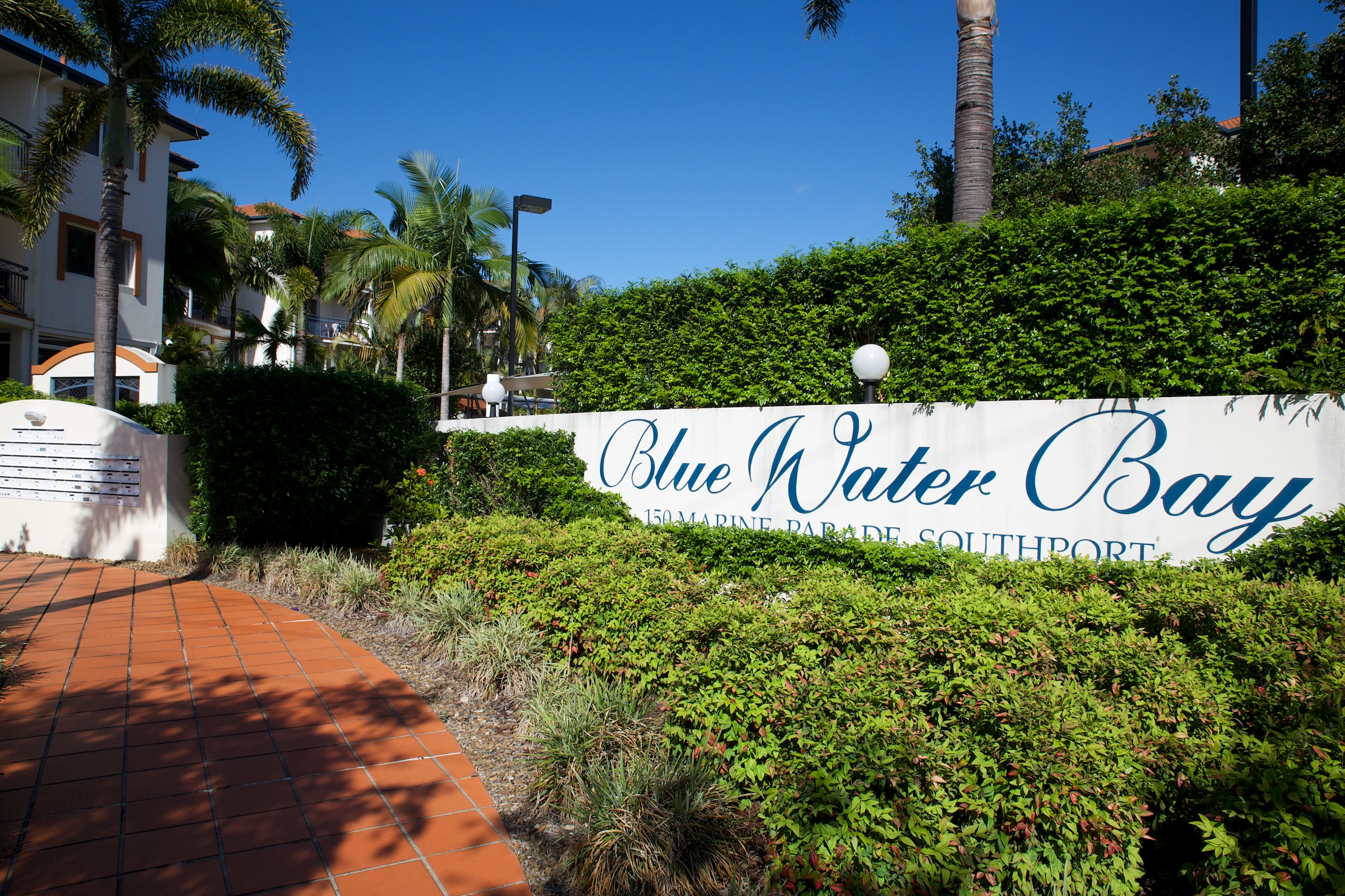 Blue Water Bay Luxury Villas - Bundaberg Accommodation