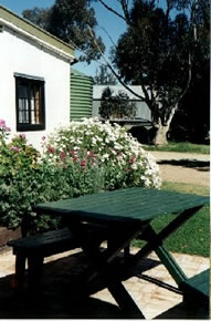 Dunalan Host Farm Cottage - Bundaberg Accommodation