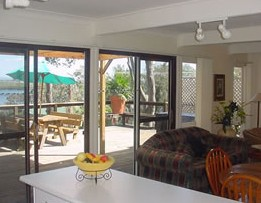 Lakeview Cottage - Bundaberg Accommodation