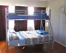 Surf N Sun Beachside Backpackers - Bundaberg Accommodation