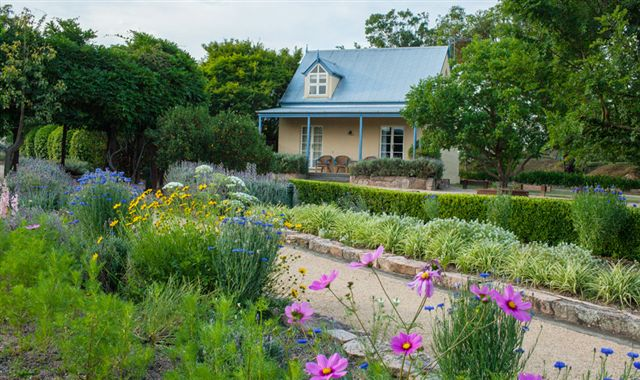 Vineyard Cottages and Cafe - Bundaberg Accommodation