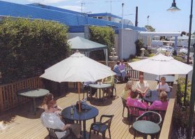 Top Of The Town Hotel - Bundaberg Accommodation