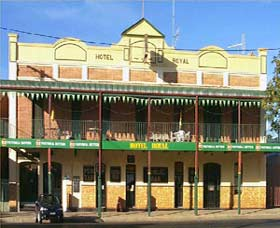 Royal Hotel Coonabarabran - Bundaberg Accommodation