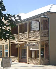Cobb  Co Court Boutique Hotel - Bundaberg Accommodation