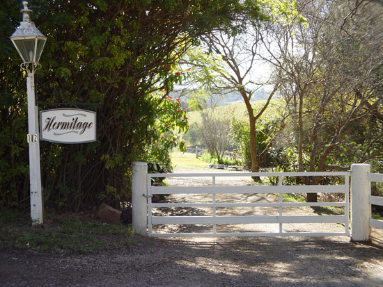 Hermitage Cottage - Bundaberg Accommodation