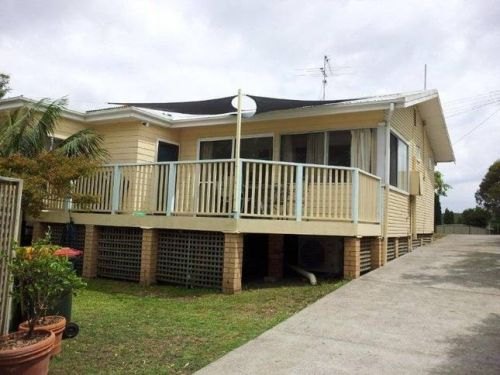 The Brightwaters Cottage - Bundaberg Accommodation
