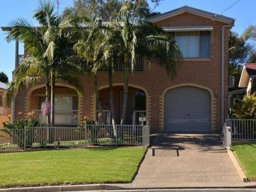 Tomakin Beach House - Bundaberg Accommodation