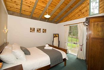Hill aposNapos Dale Farm Cottages - Bundaberg Accommodation