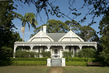 The Villa - Country House Retreat - Bundaberg Accommodation