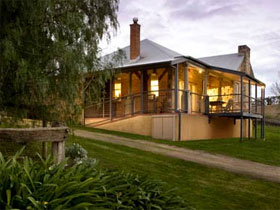 Longview Vineyard Homestead - Bundaberg Accommodation
