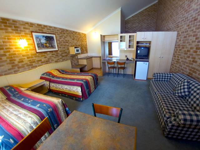 Country Gardens Motor Inn - Bundaberg Accommodation