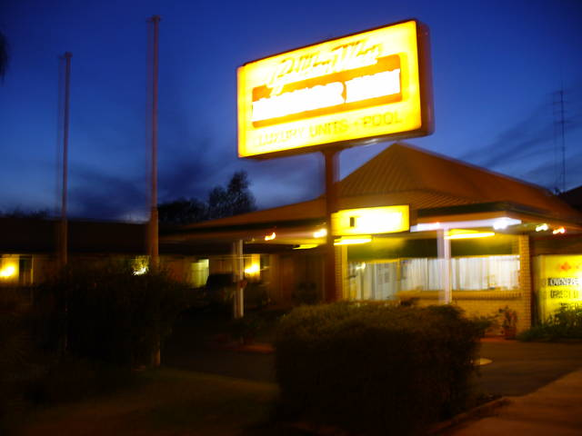 Golden West Motor Inn - Bundaberg Accommodation