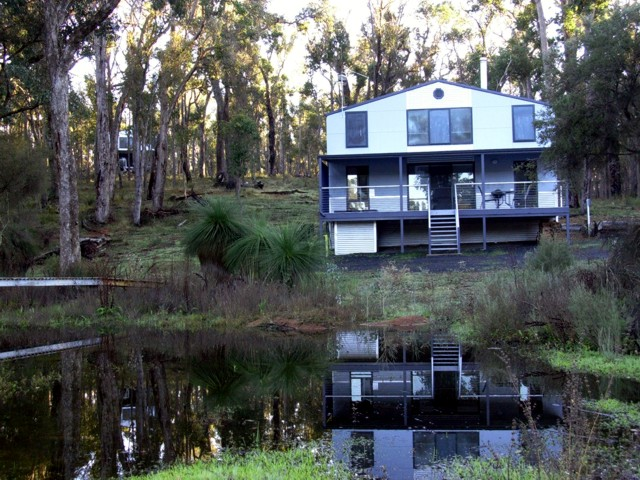 Hidden Grove Retreat - Bundaberg Accommodation