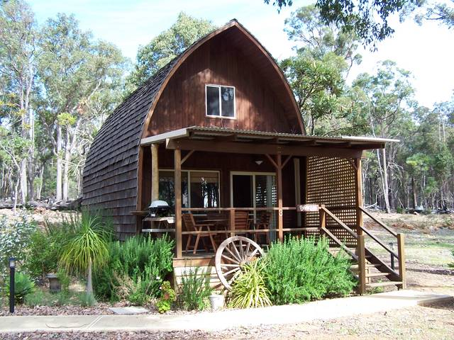 Jarrah Glen Cabins - Bundaberg Accommodation