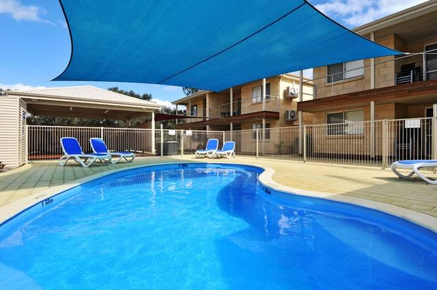 Lakeside Holiday Apartments - Bundaberg Accommodation