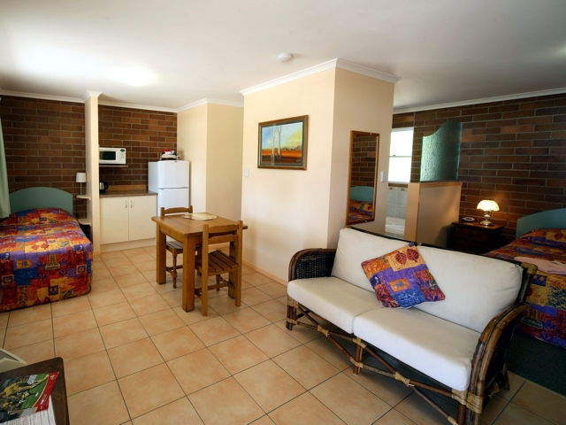 Rubyvale Motel  Holiday Units - Bundaberg Accommodation