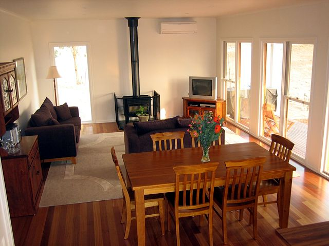 Strath Valley View B and B - Bundaberg Accommodation