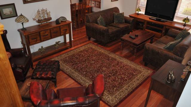 The Pommy Tree Bed and Breakfast - Bundaberg Accommodation