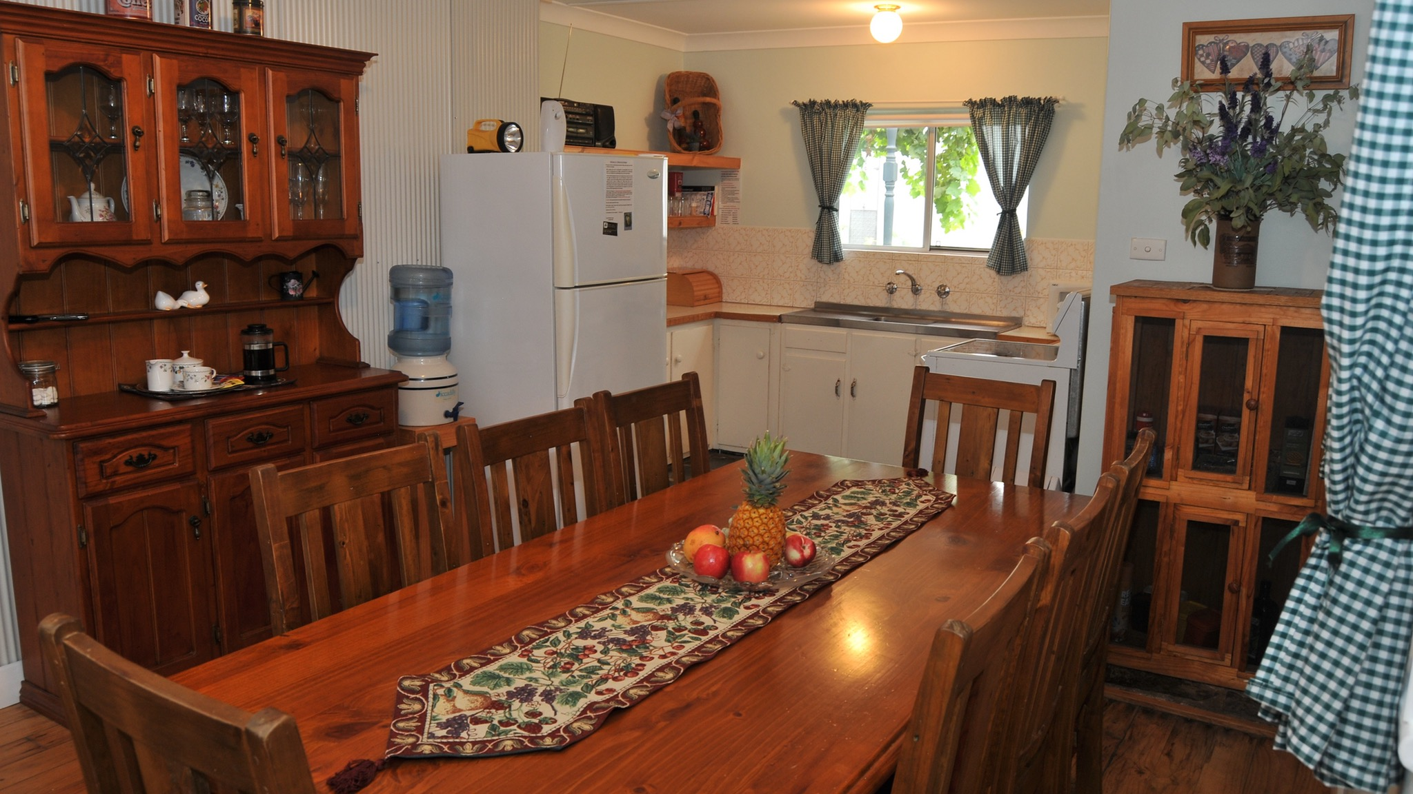 Ellenor Ivy Cottage - Bundaberg Accommodation