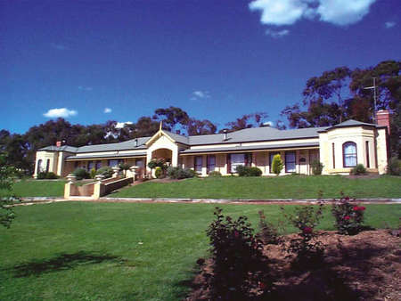 Brice Hill Country Lodge - Bundaberg Accommodation