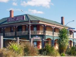 Streaky Bay Hotel Motel - Bundaberg Accommodation