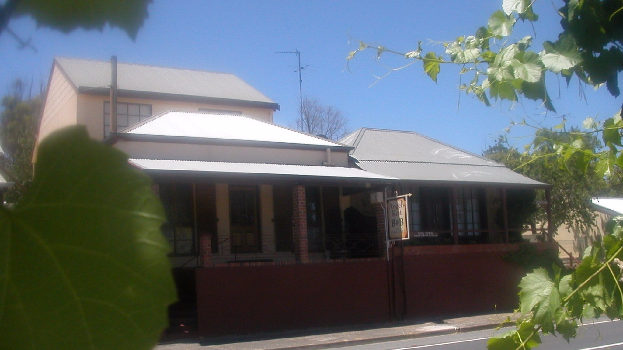 Angel's Rest Bed and Breakfast - Bundaberg Accommodation