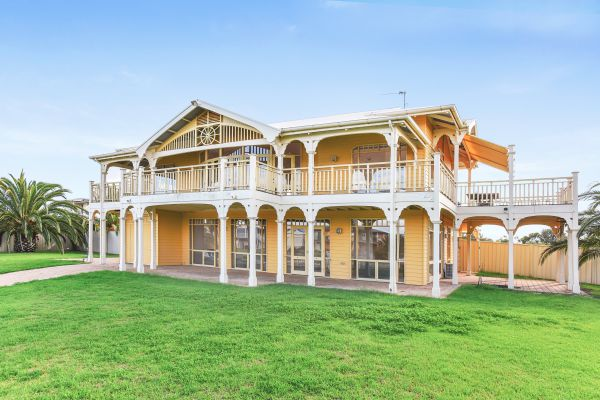 34 Janz Avenue - Bundaberg Accommodation