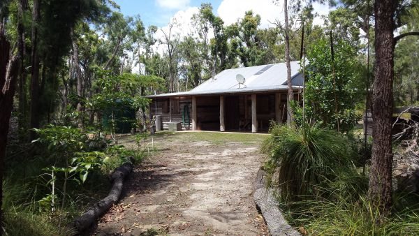 Byfield Cabins on Waterpark Creek - Bundaberg Accommodation