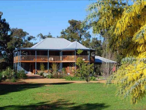 Riverwood Retreat - Bundaberg Accommodation