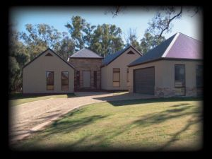 River Park House - Bundaberg Accommodation