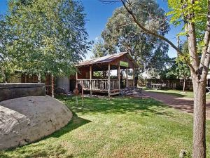 Boorowa Hotel - Bundaberg Accommodation