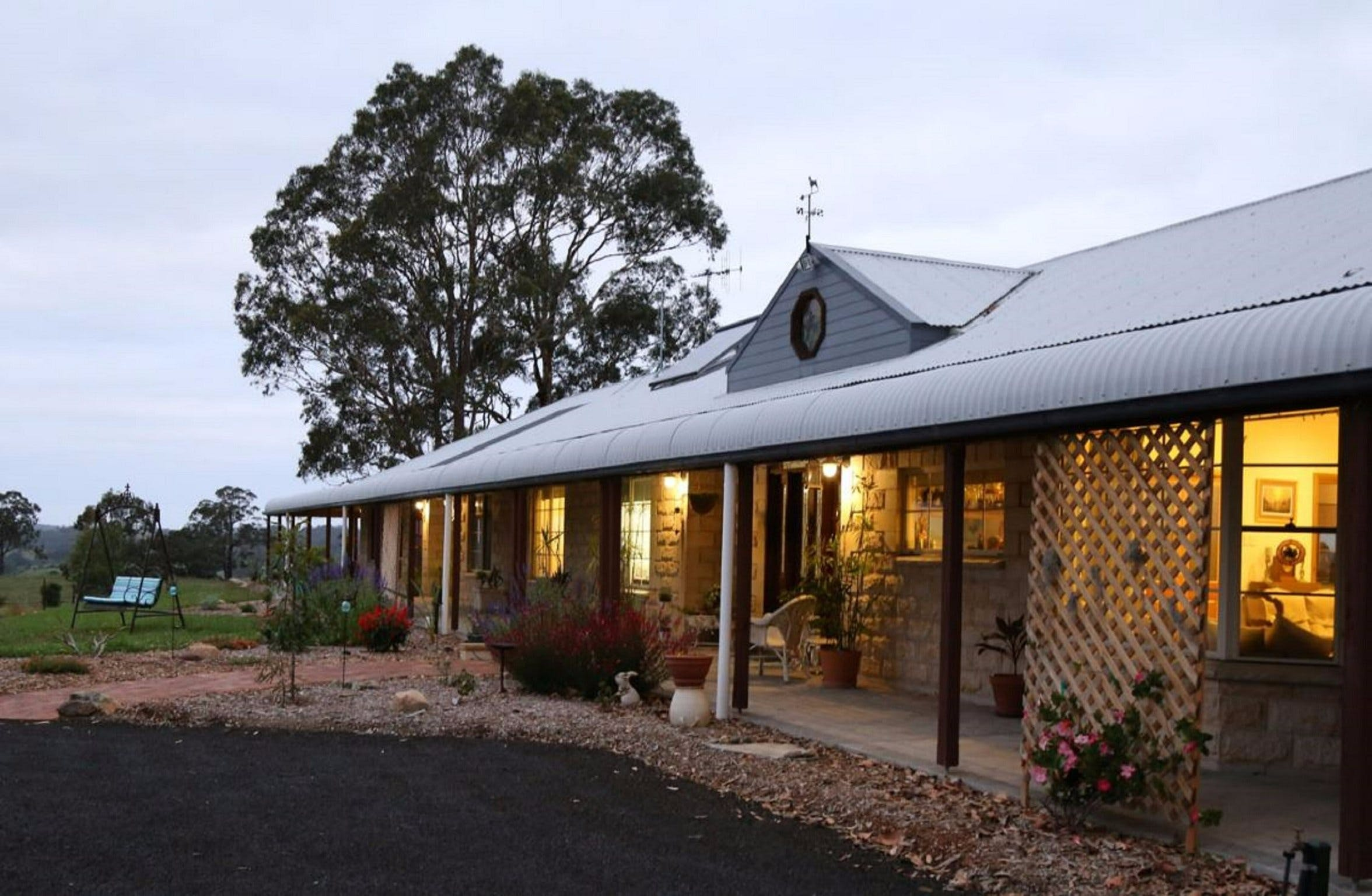 BellbirdHill Bed and Breakfast - Bundaberg Accommodation