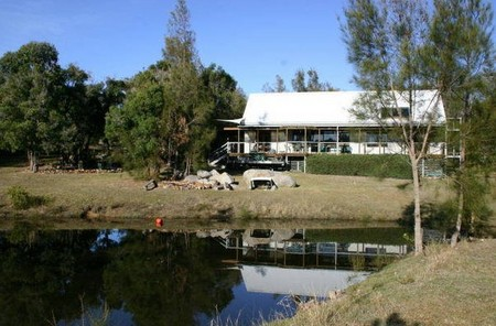 Mullimburra Beach House - Bundaberg Accommodation