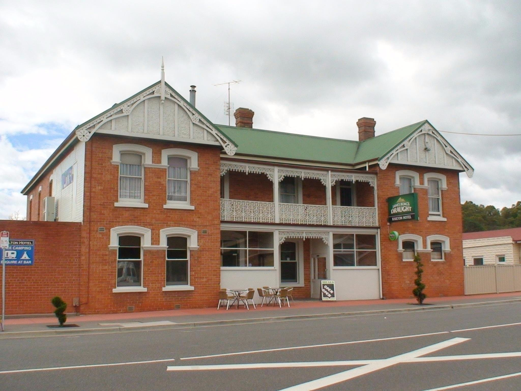 Railton Hotel - Bundaberg Accommodation