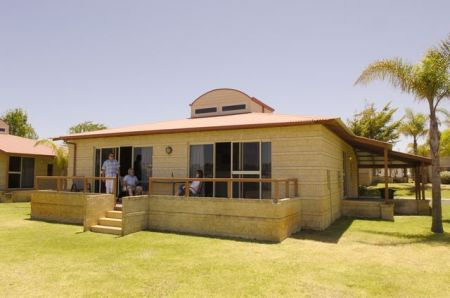 Discovery Holiday Parks - Koombana Bay - Bundaberg Accommodation