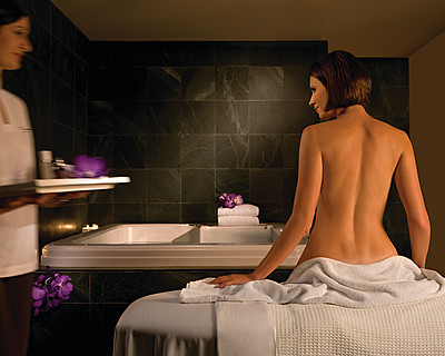 Four Seasons Hotel Sydney Spa - Bundaberg Accommodation