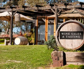 Saint Regis Winery Food  Wine Bar - Bundaberg Accommodation