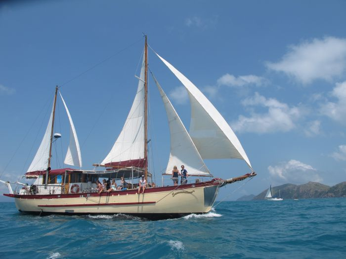 Adventure Cruise Dive and Outer Reef - Whitsundays Sailing Adventures - Bundaberg Accommodation