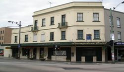 Livingstone Hotel - Bundaberg Accommodation