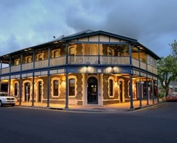 Kensington Hotel - Bundaberg Accommodation