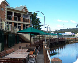 The Woodport Inn - Bundaberg Accommodation