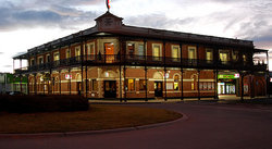 The Grand Terminus Hotel - Bundaberg Accommodation
